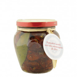 Dried tomatoes in oil 190 g
